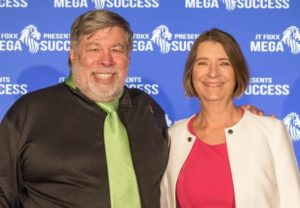 Steve Wozniak und Eva-Maria Müller
